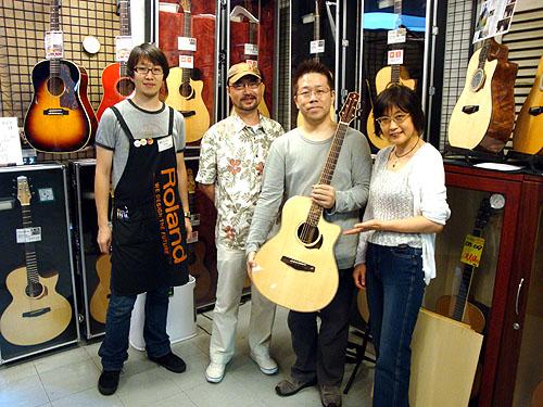 ミュージックランドKEY渋谷店とハカランダのヨコヤマギターと神山さん_c0137404_23281892.jpg