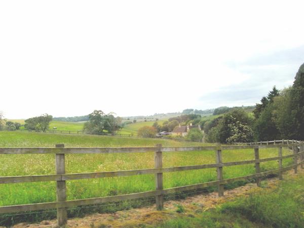ET7 /c5イギリスの車窓からパッチワークの丘_e0044855_1404888.jpg