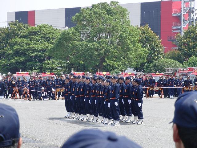 暑い中での消防団の富士地区大会_f0141310_7212872.jpg
