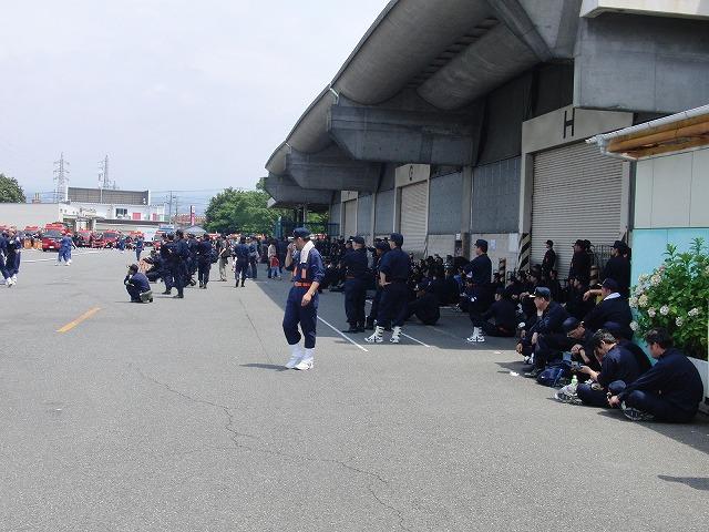 暑い中での消防団の富士地区大会_f0141310_72158100.jpg