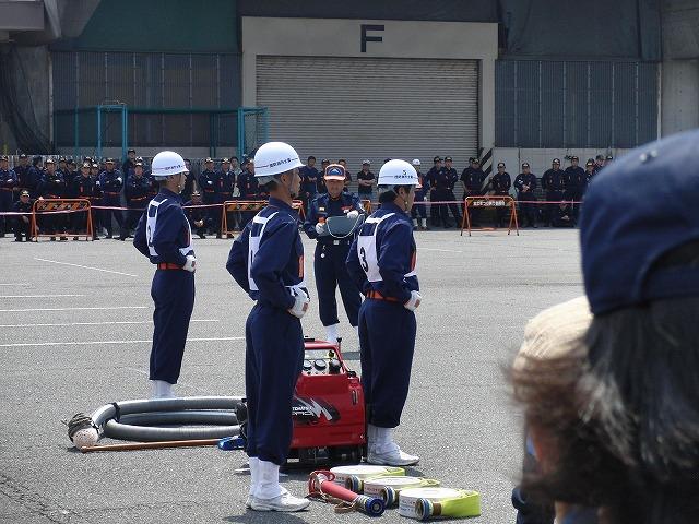 暑い中での消防団の富士地区大会_f0141310_7231723.jpg