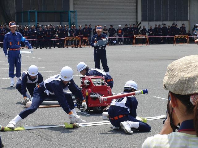 暑い中での消防団の富士地区大会_f0141310_7245189.jpg