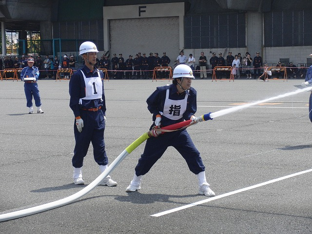 暑い中での消防団の富士地区大会_f0141310_72515.jpg