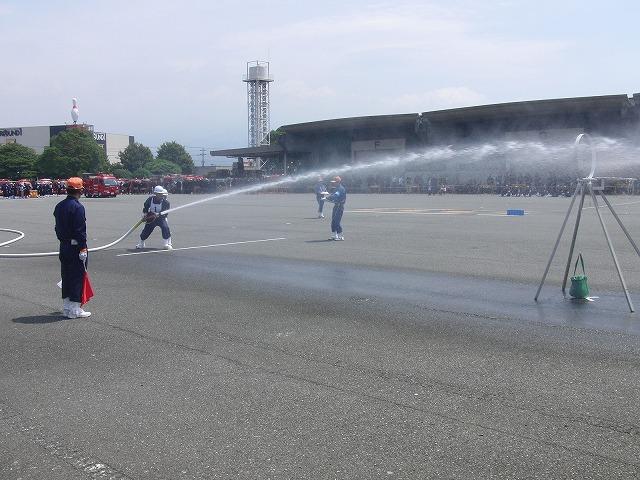 暑い中での消防団の富士地区大会_f0141310_726999.jpg
