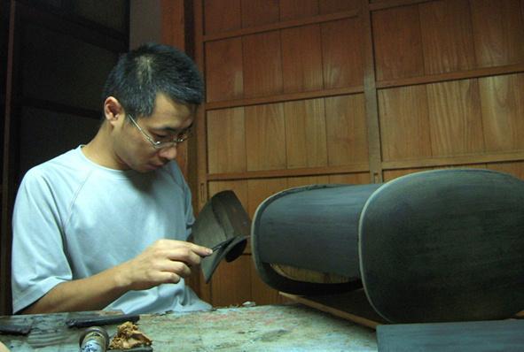 厨子 下地付けと研ぎ 2011.07.14_c0213599_22285025.jpg