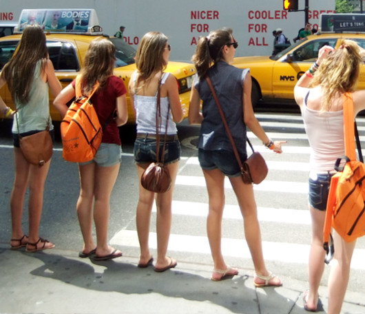 夏のニューヨークの街角スナップ_b0007805_12483111.jpg