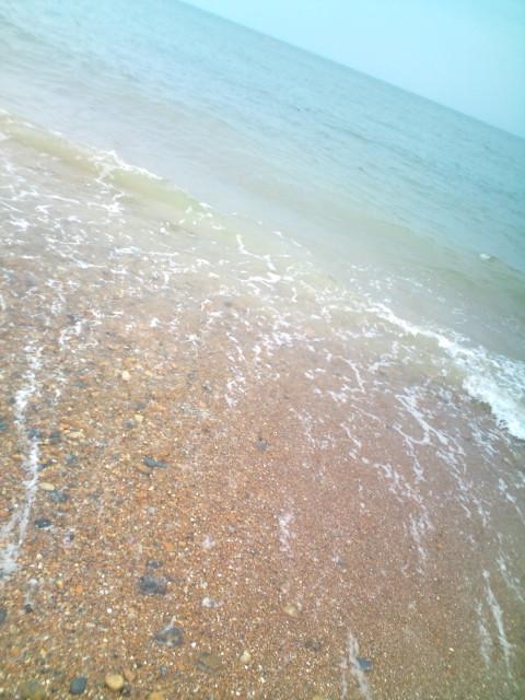 """英国随一のビーチ、イギリス海峡""""Brighton""""の海水は綺麗だった♬  コチラ→_b0032617_14154796.jpg"""