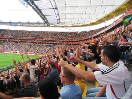 おめでとう、なでしこジャパン フランクフルトでの決勝戦がんばれ!!_f0116158_18153745.jpg