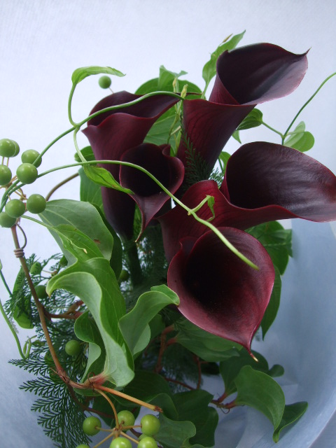 オークリーフ(カラー・シュワルツウォルターとサマーグリーンの花束)_f0049672_1741981.jpg