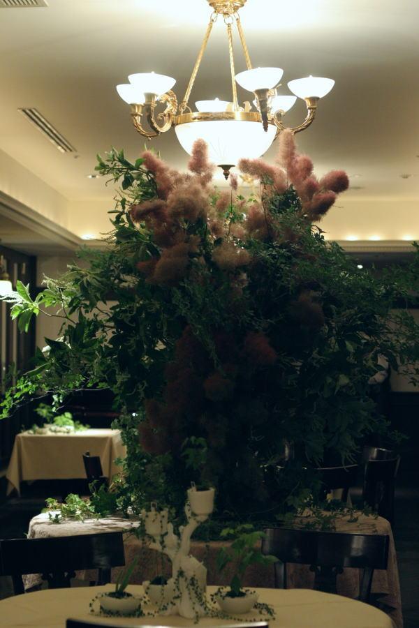樹木という砂金 シェ松尾青山サロン様への装花_a0042928_1938547.jpg