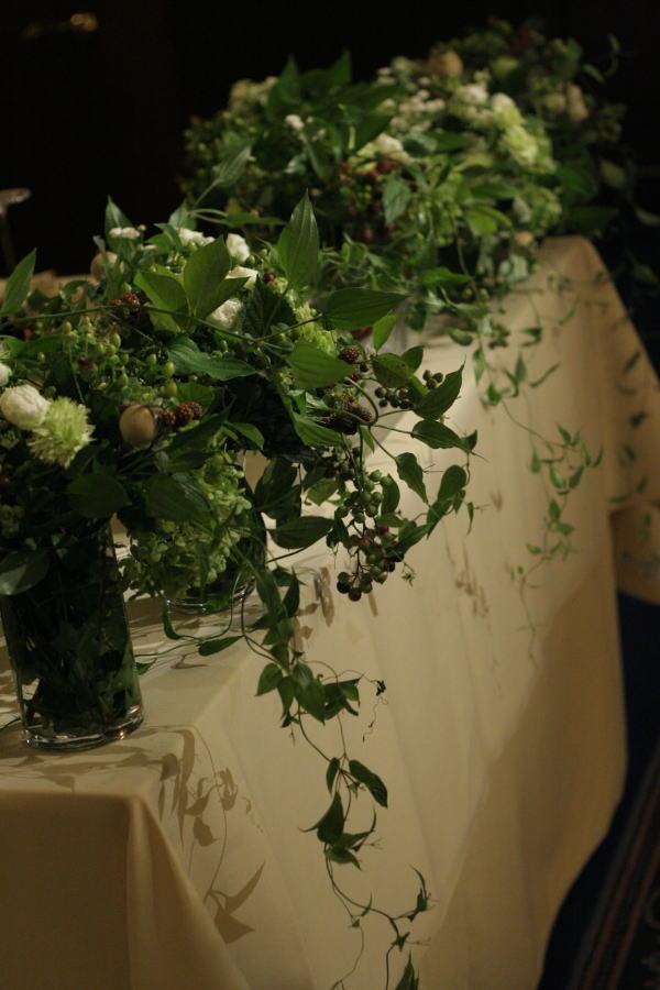 樹木という砂金 シェ松尾青山サロン様への装花_a0042928_19391777.jpg