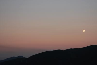 ■「満月の龍の目」と「野呂山の十六夜の夜明け」■_f0080530_19384162.jpg