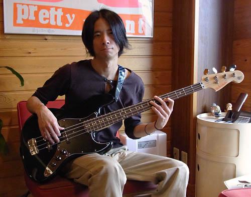 溝渕さんオーダーの「Modern J-Bass #012」 が完成〜!_e0053731_1835762.jpg