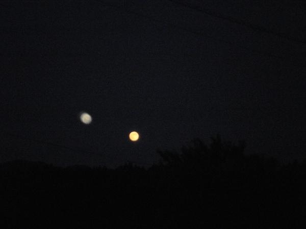 満月の日に想う_a0174458_2374785.jpg
