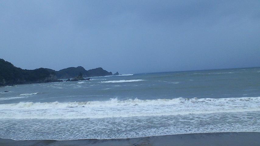 徳島県の海(田井の浜)_c0001670_1045565.jpg
