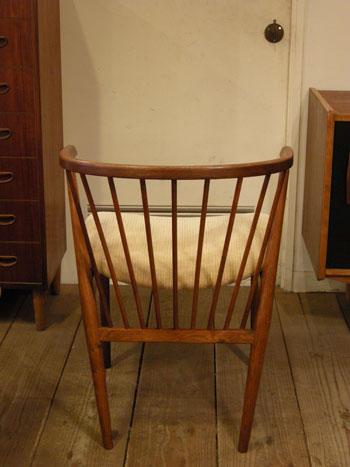 Chair (DENMARK) & お知らせ_c0139773_1821107.jpg