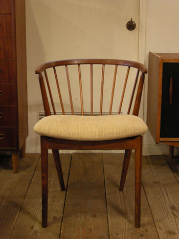 Chair (DENMARK) & お知らせ_c0139773_182133.jpg