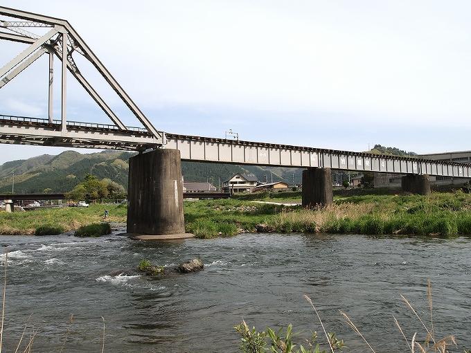 姫新線旭川橋梁_f0116479_17345363.jpg