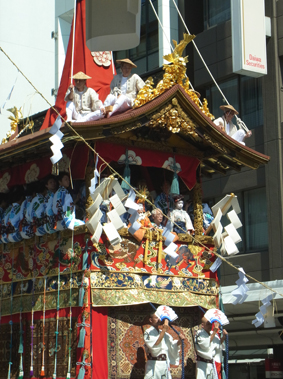 祇園祭 山鉾巡行・注連縄切り_a0111125_1619841.jpg