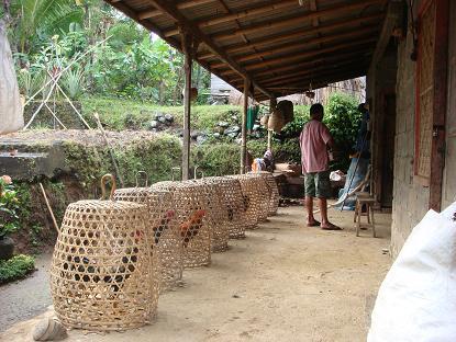 村の遊び人は、はたおり道具作りの名人_a0120328_22123535.jpg