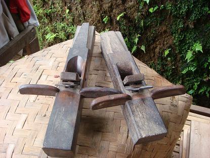 村の遊び人は、はたおり道具作りの名人_a0120328_2214264.jpg