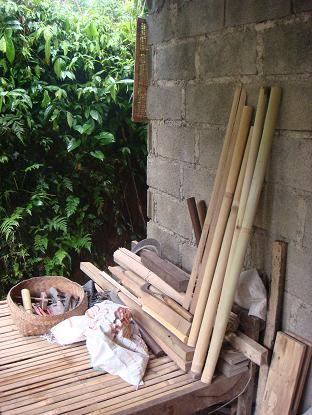 村の遊び人は、はたおり道具作りの名人_a0120328_22153151.jpg