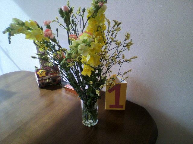 今週のお花はお勧め_b0106766_15404835.jpg