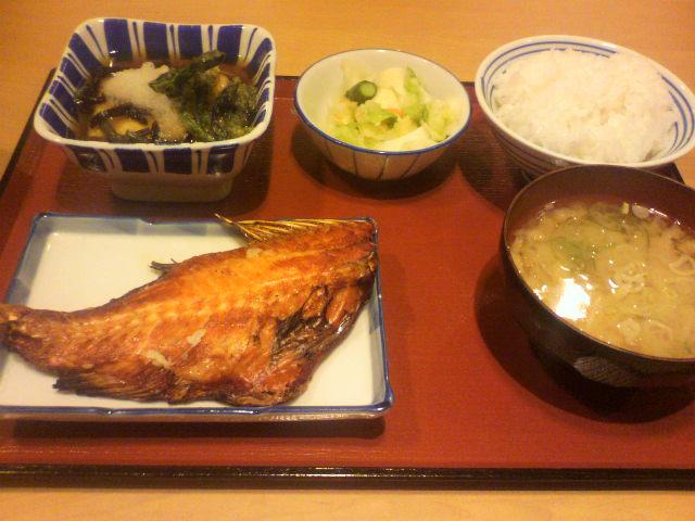 夕食は_b0106766_21373282.jpg