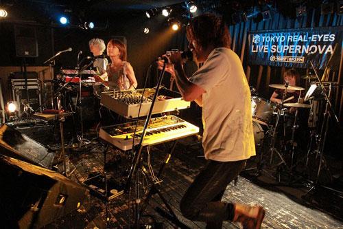 """【ライヴレポート】J-WAVE TOKYO REAL-EYES """"LIVE SUPERNOVA Vol.62""""_e0197970_1332385.jpg"""