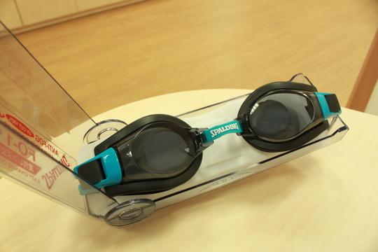 水泳ゴーグル_e0200978_16112646.jpg