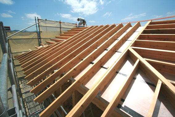 J-パッシブハウス北上:屋根断熱支持垂木、ウッドファイバーファイバー_e0054299_16431936.jpg