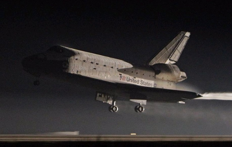 Space Shuttle Atlantis came back. _c0128818_1118810.jpg