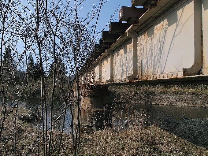津山線の橋梁その1_f0116479_2124348.jpg