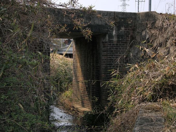 津山線の橋梁その1_f0116479_2219547.jpg