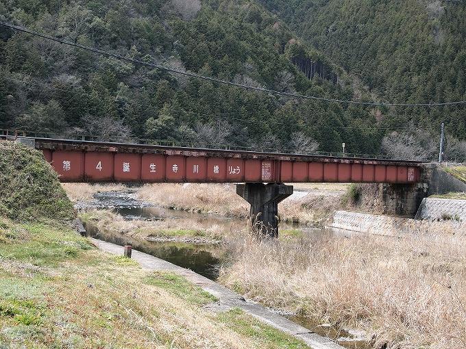 津山線の橋梁その1_f0116479_22495450.jpg