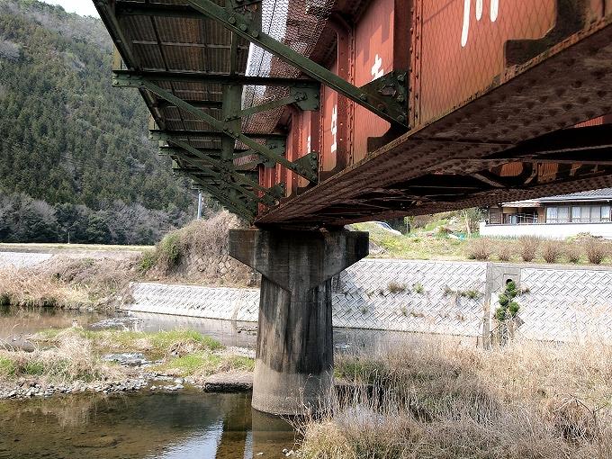 津山線の橋梁その1_f0116479_224971.jpg