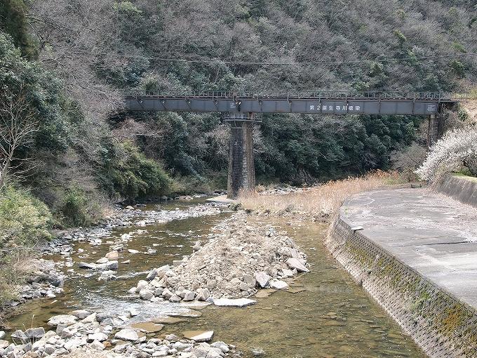 津山線の橋梁その1_f0116479_2303035.jpg
