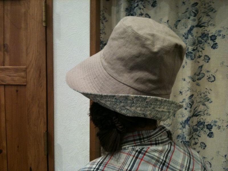 新作のリバーシブル帽子です。_c0227633_12143055.jpg