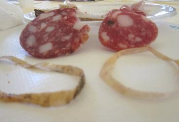 サルーミ、チーズ、オリーブオイルの講習 と筆記試験_a0154793_2035420.jpg