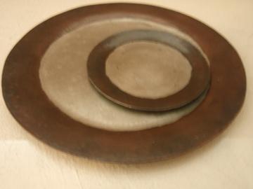 銅の丸いお皿_b0132442_18142078.jpg