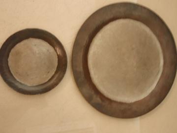 銅の丸いお皿_b0132442_18143113.jpg