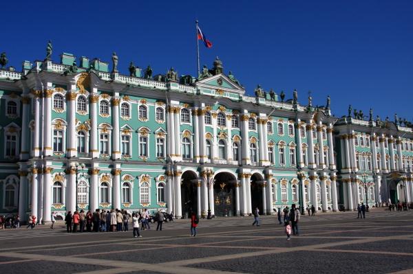 華麗なる宮殿装飾とルネッサンス絵画の宝庫_a0113718_936661.jpg