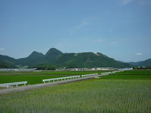 若八幡神社(2) 神夏磯媛と香春岳と新羅_c0222861_1611299.jpg
