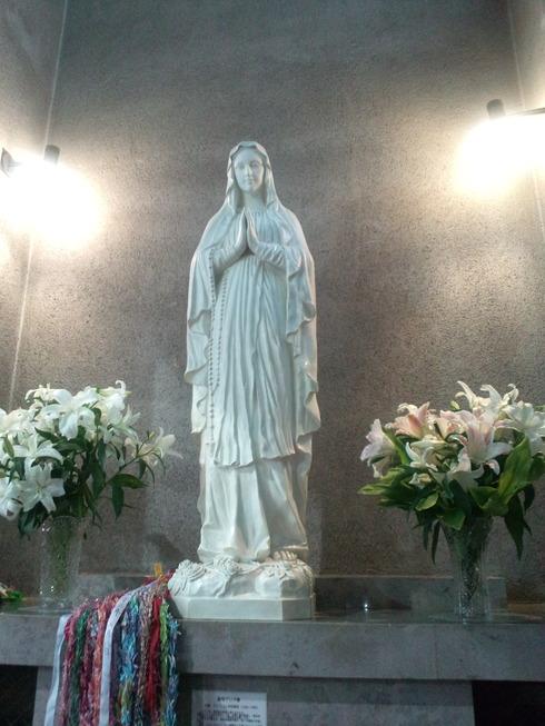 広島世界平和記念聖堂 カトリック幟町教会。。。.♡*† *・。・。+ _a0053662_1057419.jpg