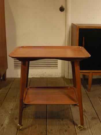 カートテーブル (DENMARK)_c0139773_18275730.jpg