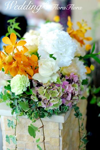碑文谷テラス様へ プルメリアのブーケにあわせて〜夏の日のウェディング装花_a0115684_1821326.jpg