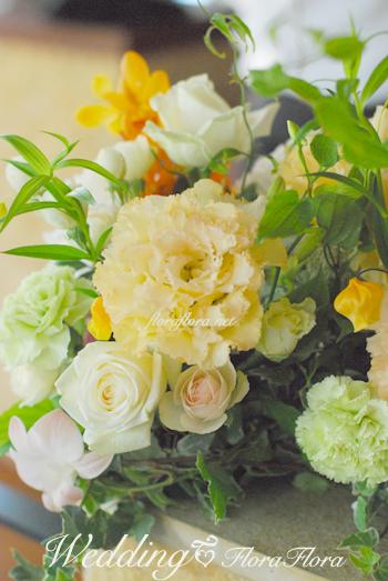 碑文谷テラス様へ プルメリアのブーケにあわせて〜夏の日のウェディング装花_a0115684_1822372.jpg