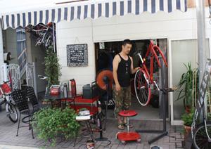 上古町の新しいハンバーグ屋さんとおしゃれな自転車屋さん_d0178448_10472621.jpg