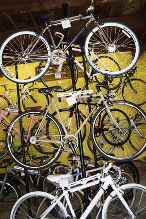 上古町の新しいハンバーグ屋さんとおしゃれな自転車屋さん_d0178448_1135578.jpg