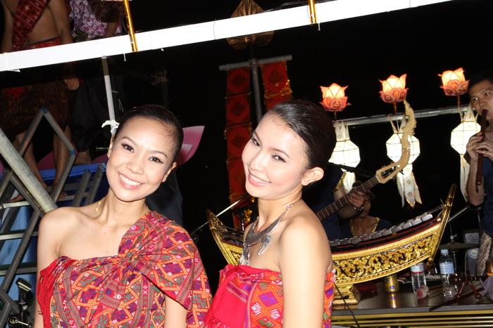 タイの熱い夜_f0021869_135697.jpg